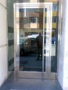 acero-inoxidable-puerta